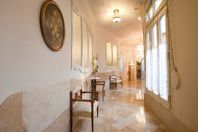 visit pedrera by day apartment time corridor