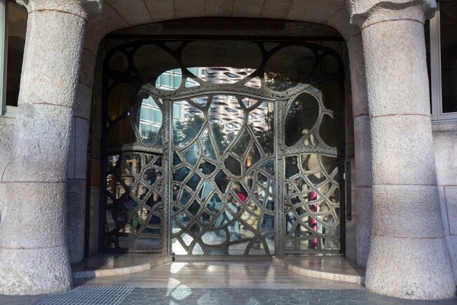 visit pedrera night origins door